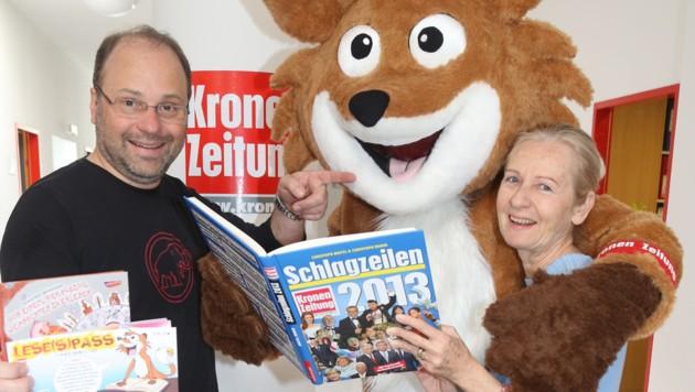 """Hannes Mößlachers Liebelingsprojekt ist """"Abenteuer Lesen"""" - verkörpert durch Theo, den Lesefuchs. (Bild: Kronen Zeitung)"""