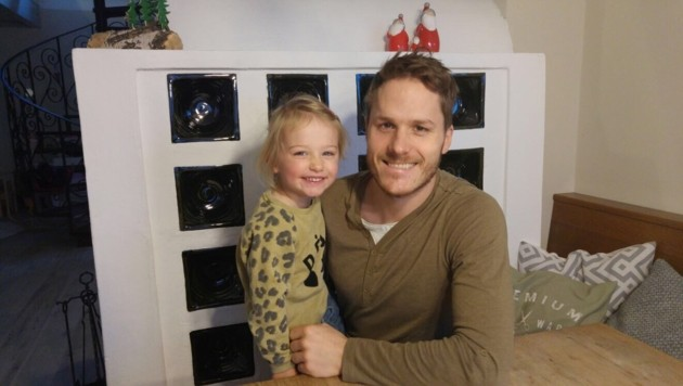 Hoffen auf Indoor-Spielplatz: Crack Manuel Geier mit Tochter (Bild: Stefan Geier)