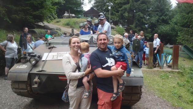 """Das letzte Mal für heuer gibt es am Montag auch die Möglichkeit zu einer """"Panzerfahrt"""" (Bild: Bunkermuseum)"""