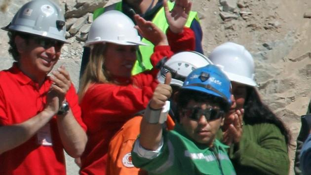 Die Bergleute nach ihrer Rettung
