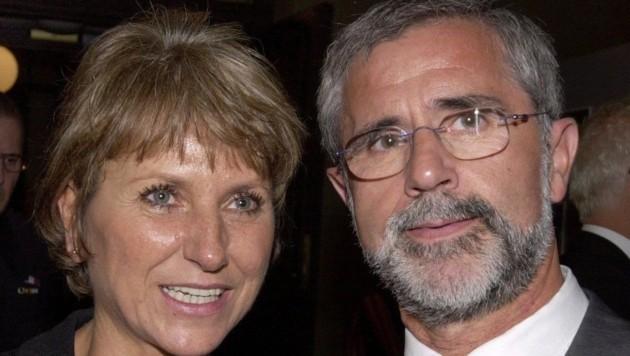 Gerd Müller mit seiner Ehefrau Uschi (Bild: dpa/dpaweb)