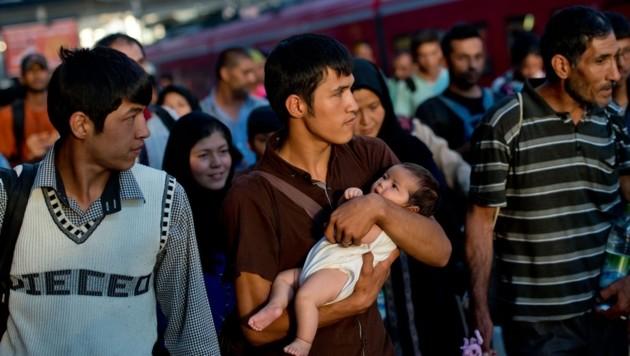 Deutschland teilt Zehntausende Flüchtlinge auf die Bundesländer auf, 450 davon sollen nach Eschbach. (Bild: AFP)