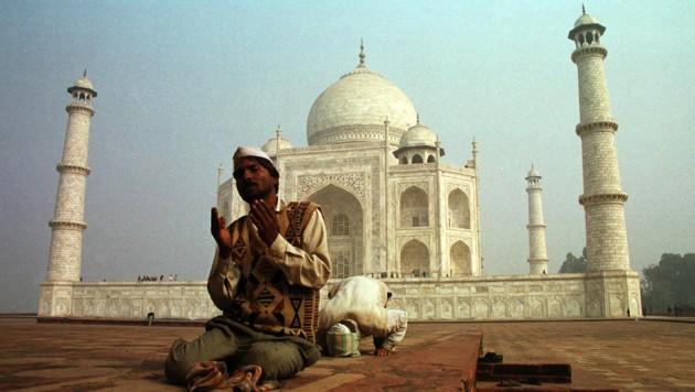 Das Taj Mahal - es symbolisiert Indien und gehört zum Pflichtprogramm jedes Indien-Urlaubers. (Bild: AP)