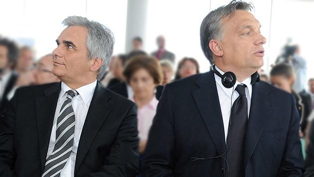 Eiszeit zwischen Bundeskanzler Werner Faymann und seinem ungarischen Amtskollegen Viktor Orban (Bild: APA/HELMUT FOHRINGER)