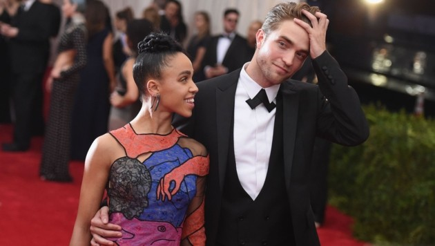 FKA twigs und Robert Pattinson sind verlobt. (Bild: AFP)