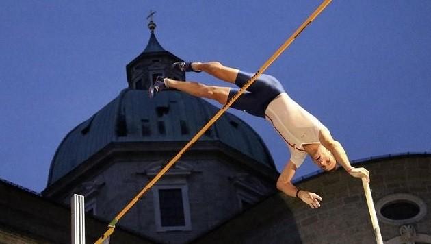Der Österreich-Rekordsprung vorm Dom: Lavillenie überquerte 5,93 Meter - 4000 Zuschauer jubelten. (Bild: Andreas Tröster)