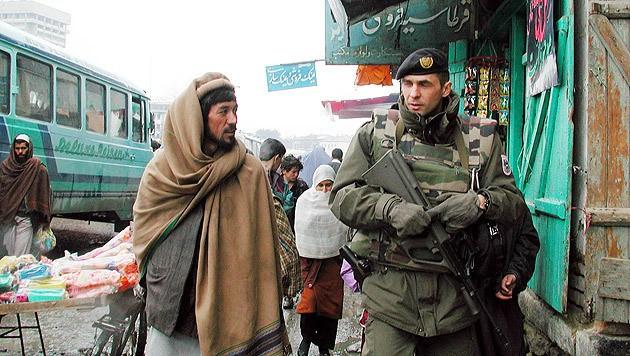 Ein Jagdkommando-Soldat auf Patrouille in Afghanistan (Bild: Christoph Matzl)