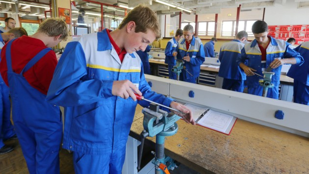 Lehrlingsausbildung bei den ÖBB (Bild: Christof Birbaumer/Kronenzeitung)