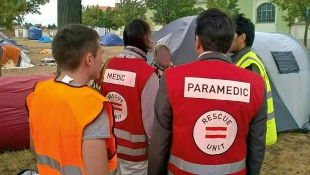 Ein mobiles Ärzteteam im Flüchtlingslager Traiskirchen (Bild: APA/BMI)