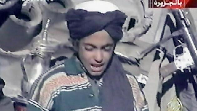 Hamza bin Laden auf einem Bild, das im Jahr 2001 entstanden sein dürfte (Bild: EPA)