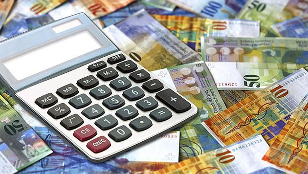 Viel zu rechnen und vieles teuer zu bezahlen gab es bisher beim Linzer Franken-Swap mit der Bawag. (Bild: thinkstockphotos.de, krone.at-Grafik)