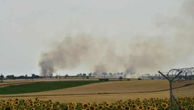 Die Rauchschwaden waren kilometerweit zu sehen. (Bild: Patrick Huber)