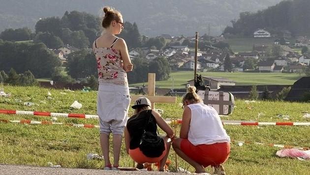 Freunde und Festival-Besucher gedachten damals dem verstorbenen jungen Mann. (Bild: Markus Tschepp)