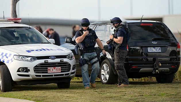 Am Abend wurde die Haftanstalt schließlich gestürmt. (Bild: APA/EPA/Mal Fairclough)