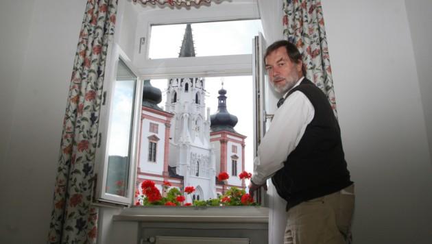 Die beste Sicht auf die Mariazeller Basilika bietet das Hotel von Klaus Kloepfer. (Bild: Christian Jauschowetz)
