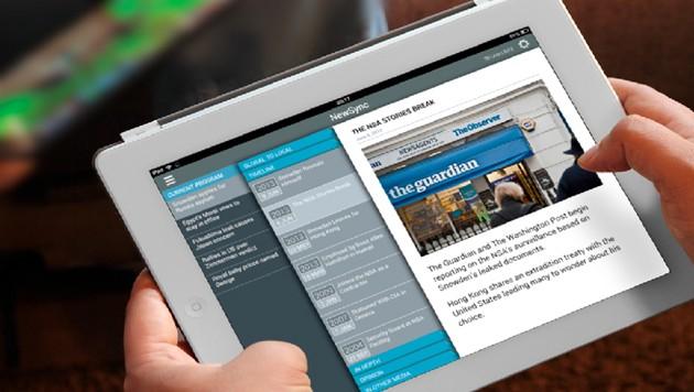 """Bei """"LinkedNews"""" zeigt das Tablet automatisch Infos, die einen gerade laufenden TV-Beitrag ergänzen. (Bild: Centrum Wiskunde & Informatica)"""