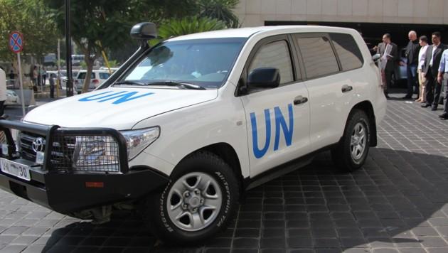 Ein Fahrzeug von UN-Inspektoren (Bild: YOUSSEF BADAWI/EPA/picturedesk.com)
