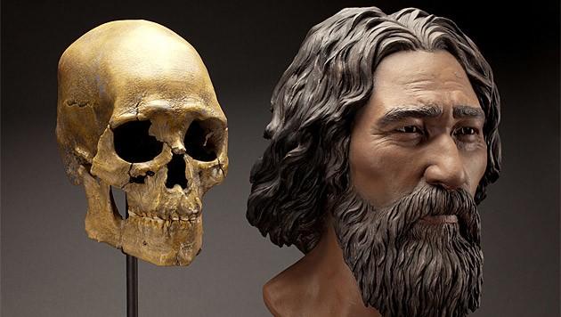 Der Schädel und eine Rekonstruktion des Kennewick-Manns (Bild: Smithonian Institute/Brittany Tatchel)