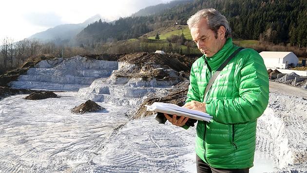 Kurt Hellig, Leiter der Umweltkontrolle, bei der Deponie der Donau Chemie im Görtschitztal (Bild: Uta Rojsek-Wiedergut)