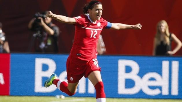 Der Jubel der Kanadierin Christine Sinclair (Bild: AP)