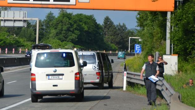 """Einsatz auf der """"Süd"""": Illegale aus Bus ausgesetzt. (Bild: Katrin Fister)"""