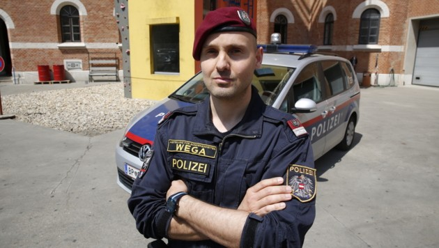 Der WEGA-Beamte Roman K. eilte dem Opfer zur Hilfe. (Bild: Martin A. Jöchl)