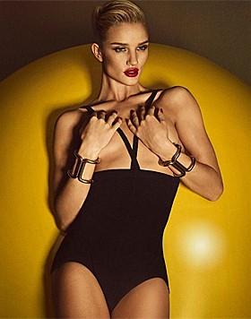 """Rosie Huntington-Whiteley nackt im """"Lui""""-Magazin (Bild: instagram.com/rhw)"""