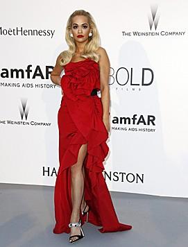 Rita Ora (Bild: APA/EPA/IAN LANGSDON)