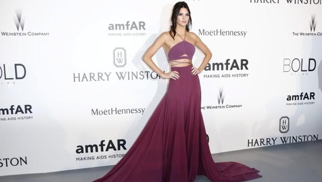 Kendall Jenner (Bild: APA/EPA/IAN LANGSDON)