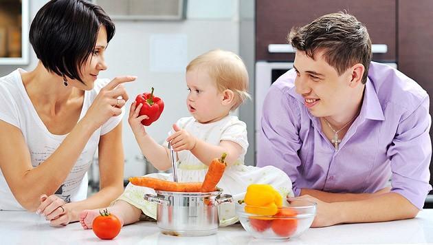 Viele Eltern wollen Kontrolle über die Inhaltsstoffe der Babynahrung haben. (Bild: thinkstockphotos.de)