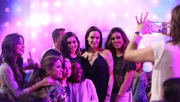 Angelina Jolie mit Shiloh und Zahara