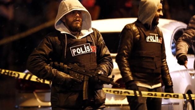 Türkische Polizisten nach einem Selbstmordattentat im Jänner in Istanbul