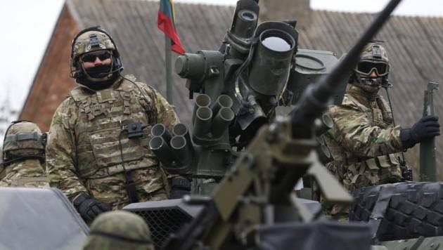 Mitglieder des 2. Kavallerieregiments der US-Armee in Litauen