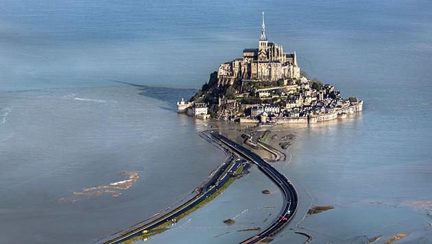 Der weltbekannte Klosterfelsen Mont-Saint-Michel in Frankreich (Bild: APA/Michael Zimmerman)