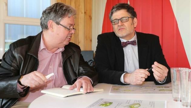 """Architekt Guido Pfaffhausen (re.) mit """"Krone""""-Reporter Peter Linden"""
