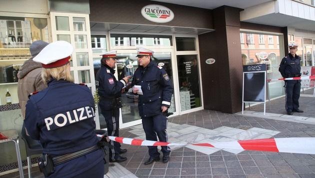 Polizeibeamte sicherten den Tatort in der Paradeisergasse.