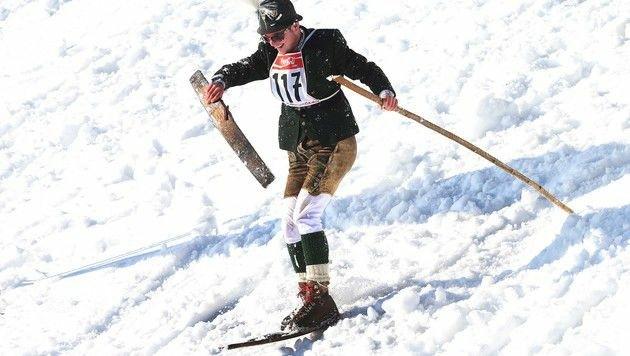 So mancher kam mit nur einem Ski am Fuß ins Ziel.