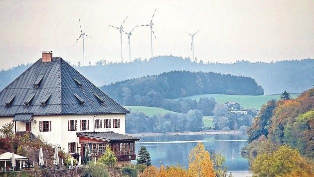 Einen Windpark wie in Munderfing wollen alle im Flachgau vermeiden - bis auf Thalgau. (Bild: Markus Tschepp)