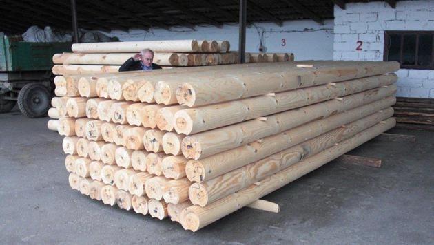 Sämtliches Holz, das beim Bau verwendet wird, ist Rottanne und stammt von den Karpaten.