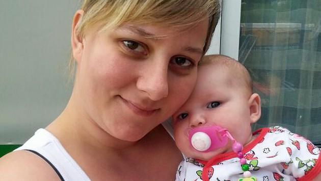 Mutter Sandra Z. mit ihrer kleinen Tochter