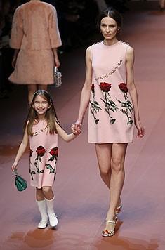 Andere Modelle sahen aus, als hätten die Kleinen Mamis Lieblingskleid bemalt.
