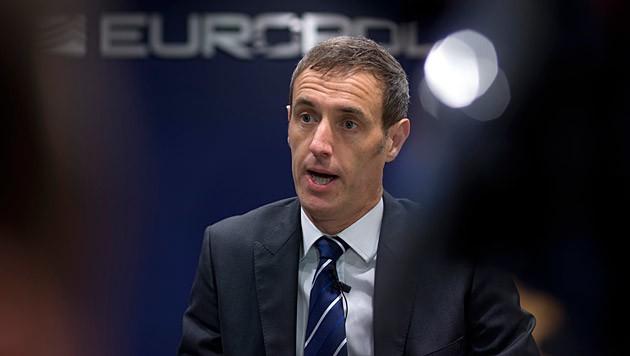 Europol-Direktor Rob Wainwright (Bild: AP)