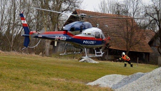 Auch ein Polizeihelikopter wurde angefordert (Bild: Feuerwehr Mooskirchen)