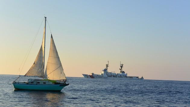 Die USS Paul Hamilton entdeckte den Schiffbrüchigen vor der Küste Hawaiis. (Bild: AP)