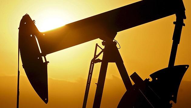 Ölpumpen auf einem Ölfeld bei Ponca City in Oklahoma (Bild: EPA/Larry W. Smith)