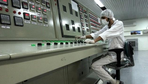 Eine Kontrollanlage in einem iranischen AKW (Bild: Associated Press)