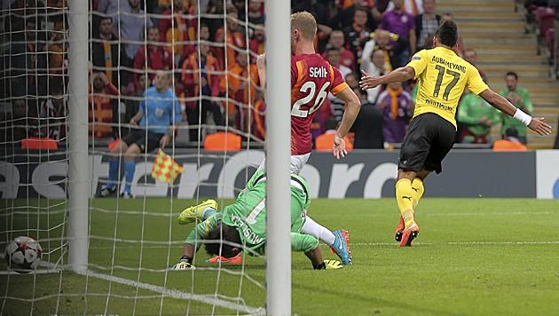 Dortmund-Ass Aubameyang bejubelt Tor und Sieg gegen Galatasaray.