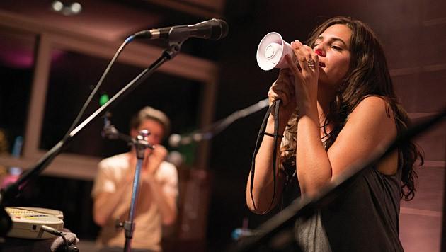 Anna F. spielte ein Unplugged-Konzert im Münchner PPS Loftstudio.