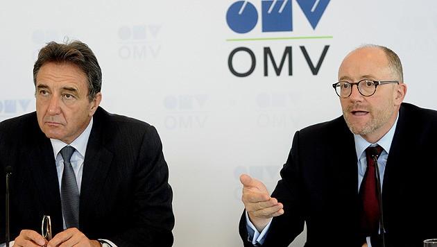 Scheidender OMV-Chef Gerhard Roiss und Finanzvorstand David Davies (Bild: APA/Herbert Pfarrhofer)