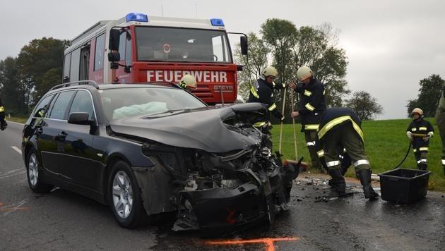 Der Oberösterreicher prallte mit seinem Pkw frontal gegen ein entgegenkommendes Auto.